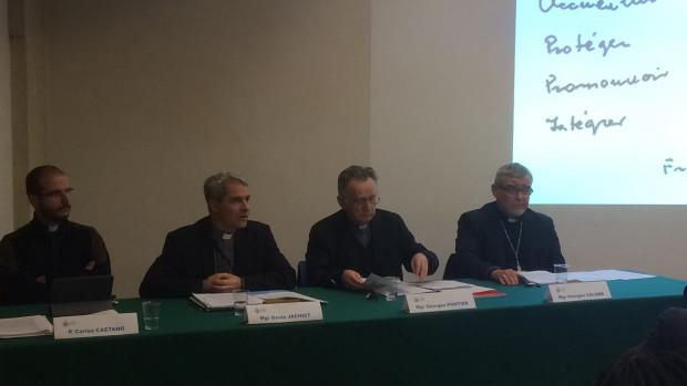 """10 janvier 2018 : Présentation de la déclaration des évêques """"Migrants : trouver une réponse commune""""."""