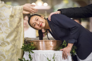31 mars 2018 : Baptême de Kim-Chloé, lors de la Vigile pascale. Paroisse Saint Ambroise, Paris.