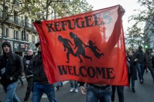 Rassemblement en soutien aux migrants, suite aux attentats du 13 novembre (Paris, 22 novembre 2015).