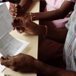 Famille sri-lankaise arrivée en France dans la clandestinité, reçue pour la première fois à la Coordination de l'Accueil des Familles demandeuses d'Asile (CAFDA), Paris.