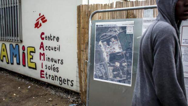"""18 octobre 2016 : Association """"AMIE"""" (centre d'accueil pour mineurs isolés étrangers) dans la """"Jungle"""" de Calais, à quelques jours du démantèlement final du plus grand bidonville d'Europe."""