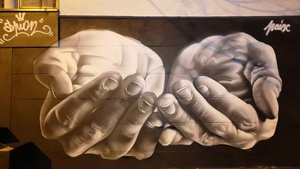 """""""Paix"""" par Espion, graffeur de Montreuil (93)."""
