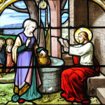 Jésus et la Samaritaine. Vitrail du XIXème. Oeuvre de l'atelier LORIN. Eglise Saint( Aignan. Chartres (28).